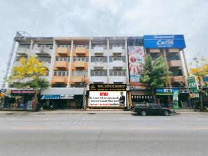 For SaleShophouseNawamin, Ramindra : Very cheap sale, commercial building, 2 booths, 43.3 square wa., Decorated, next to Sukhaphiban Road 5, Sai Mai Hathairat location