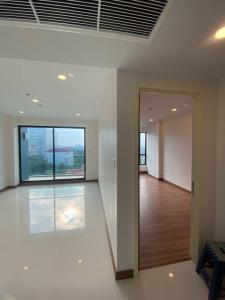 Sale DownCondoWongwianyai, Charoennakor : Sell cheaper than buying yourself around VVIP again. Last chance this May, only 52 square meters corner room, sell at a loss, down payment only 650,000 and can continue to pay the bank (if transfer after 15 Jun '64 Will not receive a discount of 315,0