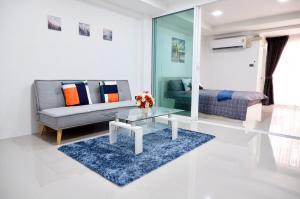 For SaleCondoRamkhamhaeng Nida, Seri Thai : Condo for sale, Lam Sali Mansion, Soi Ramkhamhaeng 60/2, room size 39.72, all new renovated rooms.