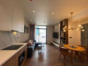 For RentCondoSukhumvit, Asoke, Thonglor : Muniq Sukhumvit 23 for rent 2 bedrooms 2 bathrooms 65.5 sqm rental 70,000 baht/month