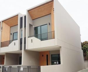 For RentTownhouseSamrong, Samut Prakan : For rent Townhome The Canvas Sukhumvit-BTS Samrong (The Canvas Sukhumvit) 23 sq.w.