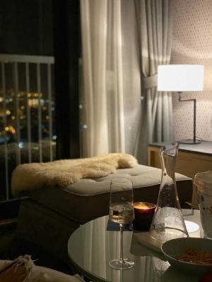 เช่าคอนโดสุขุมวิท อโศก ทองหล่อ : For Rent Park 24, BTS Phrom Phong, 2 bed 56 sqm. high floor, fully furnished.