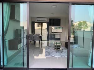 เช่าทาวน์เฮ้าส์/ทาวน์โฮมลาดกระบัง สุวรรณภูมิ : 🔥 ทาวน์โฮม ให้เช่า (บ้านกลางเมือง ศรีนครินทร์ - อ่อนนุช 3 นอน3 น้ำ บ้านใหม่  สนใจนัดดู 082-3223695🔥🔥