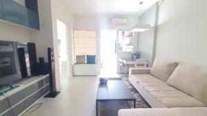 For RentCondoRatchadapisek, Huaikwang, Suttisan : For rent, The Room Ratchada Ladprao, 1 bedroom 41 sq m. 12,000 baht.
