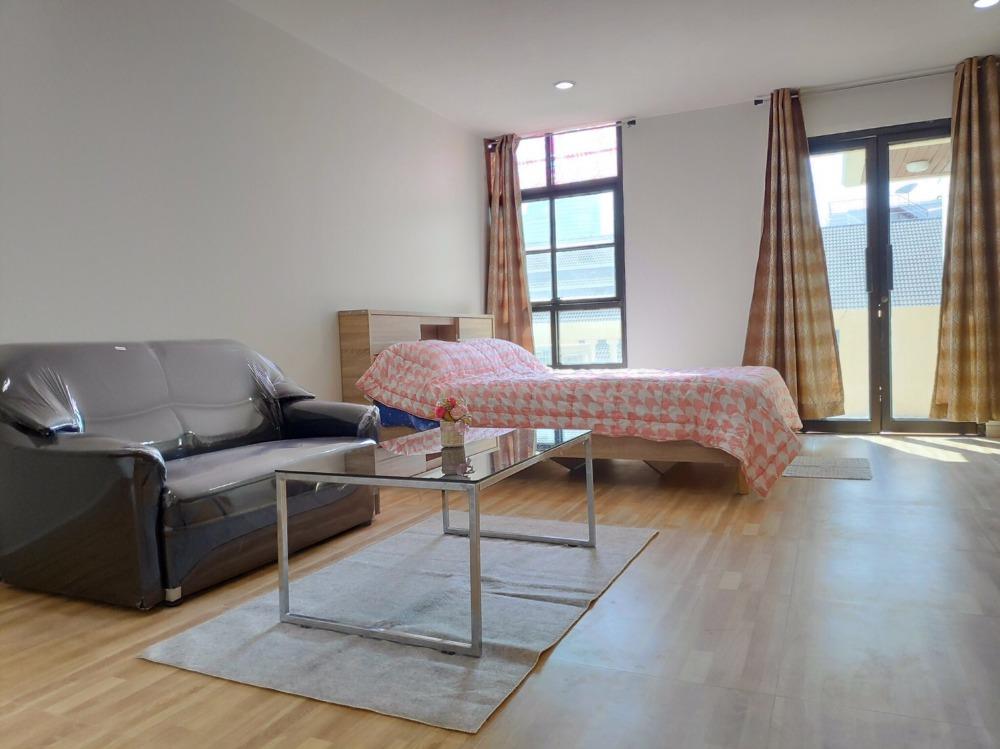 For RentCondoSilom, Saladaeng, Bangrak : 3182-A😊😍 For RENT & SELL Studio for rent and sale 🚄 Near MRT Silom 🏢 Silom Terrace Silom Terrace🔔 Area: 37.92 sq.m. Rent: 17,000 ฿ 💲 Sale: 5,500,000 ฿ 📞O88- 7984117, O65-9423251✅LineID: @sureresidence