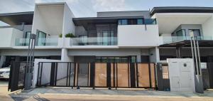 For RentHouseBangna, Lasalle, Bearing : For rent, VIVE Village Bangna Km.7, a very beautiful house.