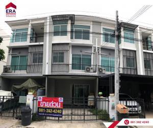 For SaleHouseRattanathibet, Sanambinna : 3-storey townhome, The Metro, Rattanathibet, Nonthaburi, 18.8 sq m, ready to be located near the Purple Line, convenient transportation, cheap price