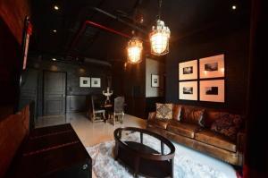 เช่าคอนโดสุขุมวิท อโศก ทองหล่อ : Luxury Loft @ Aguston Sukhumvit 22 (officially Pet Allowed) Brand New RENT/SALE