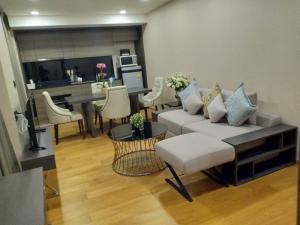 For RentCondoWitthayu,Ploenchit  ,Langsuan : Klass Langsuan Hot Hot !!! Fot Rent, 2 bed 2 Bath, 72 sqm, Fully Furnished. Price 55,000 baht. Ready to move