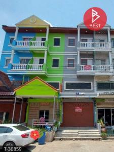 For SaleShophouseSiam Paragon ,Chulalongkorn,Samyan : Commercial building for sale Roong Rueng House 1, Khlong 4, Lam Luk Ka, Pathum Thani