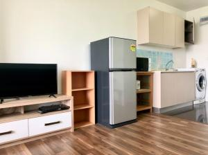 For RentCondoOnnut, Udomsuk : M3426-condo for rent, A space Me Sukhumvit 77, near BTS On Nut, there is a washing machine. Fully furnished, ready to move in