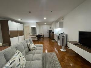 For RentCondoSilom, Saladaeng, Bangrak : Silom Suite Room for Rent (Sathorn 12)