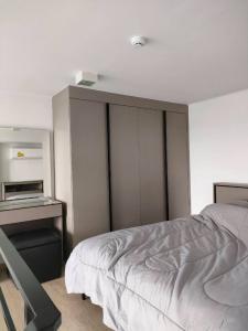 เช่าคอนโดพระราม 9 เพชรบุรีตัดใหม่ : ให้เช่าคอนโด IDEO NEW Rama 9. ห้อง Duplex ขนาด 1ห้องนอน พร้อมเข้าอยู่