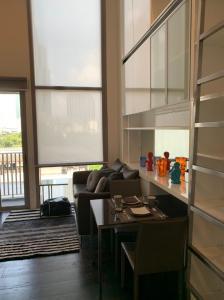 For RentCondoSukhumvit, Asoke, Thonglor : Ideo Morph 38 - Duplex 1 bed for rent, good price, only 25K pets.