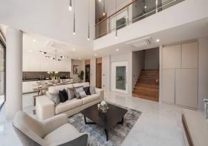 เช่าบ้านสาทร นราธิวาส : Rental : Single House with Full Furniture , Baan 365 Sathorn , 4 Bed 4 Bath , 4 Parking Lot , 58 Sqw , 350 Sqm 🔥🔥 Rental : 150,000 THB / Month🔥🔥