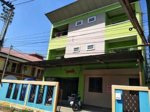 For SaleShophouseKorat KhaoYai Pak Chong : Female dormitory with tenants for sale, 3-storey building, Suranarai Soi 3 NX2021007.