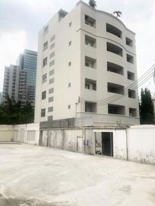 For RentOfficeRatchadapisek, Huaikwang, Suttisan : RF030 Office for rent, 6 floors, 332 sq.wa., 1,200 sq m., With elevators and 30 parking spaces near MRT Sutthisan.