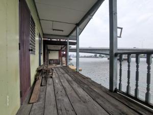 ขายที่ดินรัตนาธิเบศร์ สนามบินน้ำ พระนั่งเกล้า : ขายที่ดินริมแม่น้ำเจ้าพระยา เชิงสะพานพระราม 5 วิวสวย รถเข้าถึง