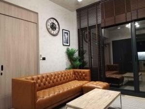 For RentCondoSukhumvit, Asoke, Thonglor : For rent / sale luxury condo The Loft Asoke 2 bedrooms, beautiful room, high floor, very good price.