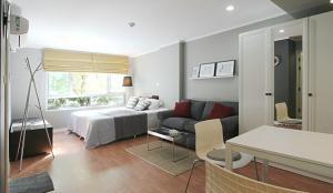 For RentCondoRatchadapisek, Huaikwang, Suttisan : Beautiful room for rent