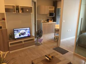 For SaleCondoNakhon Pathom, Phutthamonthon, Salaya : ขายห้องขนาด 33. 3 ตร.ม สภาพใหม่มาก ราคา 1.75 ล้าน