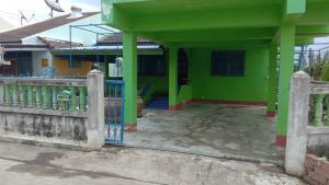 เช่าบ้านสุพรรณบุรี : ให้เช่าบ้านเดี่ยวหมู่บ้านเจียรนัย รั้วใหญ่ สุพรรณบุรี