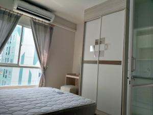 For RentCondoPinklao, Charansanitwong : For rent Unio Charan 3 near BTS Tha Phra.