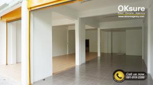 For RentShophouseSathorn, Narathiwat : Condo for Rent Shophouse / Commercial Building Charoen Rat Soi 10