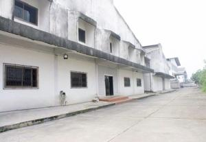 For RentWarehouseBang kae, Phetkasem : For Rent Factory Warehouse, Soi Petchkasem 91, very good location, area 1125 square meters to 3000 square meters, trailer accessibility.