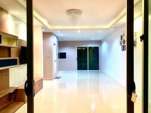 For RentTownhouseRama 2, Bang Khun Thian : RTL0144 🌟🌟Townhome for Rent🌟🌟Town Avenue Cocos Rama 2 Near Rama 2 Rd. and Expressway