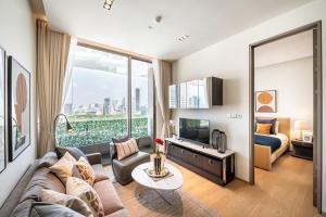 เช่าคอนโดสีลม ศาลาแดง บางรัก : 🔥ราคาพิเศษ Ultra super luxury condoSaladaeng one 🔥1 Bed ห้องสวย วิวสวนลุม ทิศเหนือ ขั้นสูงสุดของ 1 ห้องนอน เครื่องใช้ไฟฟ้าครบพร้อมอยู่ 095-249-7892