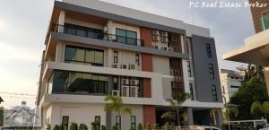 For RentOfficeLadprao101, The Mall Bang Kapi : Office building for rent, 4 floors, 2,000 sq.m., with elevator, Soi Ladprao 101, fully furnished, ready to use.