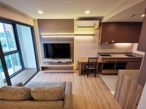 For RentCondoSukhumvit, Asoke, Thonglor : Condo for rent, Taka House Ekamai Soi 12, usable area: 40 sq m, 2 bedrooms, 2 bathrooms, 8th floor, ฿ 24,000.