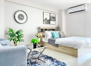 For SaleCondoRatchadapisek, Huaikwang, Suttisan : Ratchada City 18, new beautiful room, fully furnished, full furniture ☺️