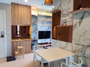 For RentCondoSukhumvit, Asoke, Thonglor : BTS Thonglor 5 minutes, built-in rooms.
