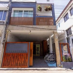 For SaleTownhouseChiang Mai : AE64147 Pool Villa Business for Sale Near Nimmanhaemin, area 27 sq m, 4 bedrooms, 3 bathrooms, fully furnished.