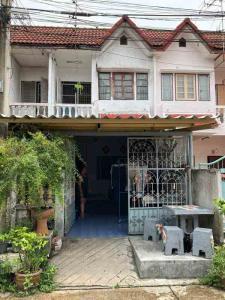 For SaleTownhouseBang kae, Phetkasem : Good investment, cheap sale with tenants, Petchkasem Village 2, The Mall Bang Khae, Townhouse 2 floors, 18 sq m., collect rent, eat for a long time, 1.89 million