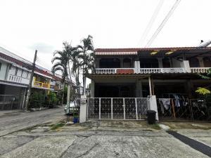 For SaleTownhousePinklao, Charansanitwong : Townhouse for sale, Phra Pin Village 2, cheap price 1.59 million.