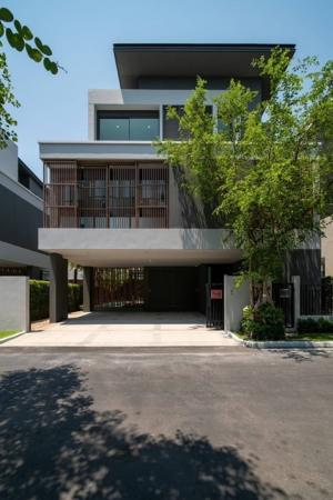 """For SaleHouseLadprao101, The Mall Bang Kapi : Selling: House with Private Pool & Private Lift, """"Gentry Ekamai Lardprow"""", 63 sqw, 415 sqm, 4 Bed 5 Bath, 2 Living Room, 1 Maid Room, 3 Parking Lot for sale 🏛 Empty house with swimming pool and private lift. , 63 sqw, 415 sq m., 4 bedrooms, 5 bathroom"""