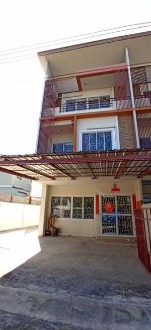 For SaleTownhouseKasetsart, Ratchayothin : Quick sale!! 🏠House for sale, townhome, 3 floors, Ratchathani Village 10 🔥🔥🔥 38 sq. wah, behind the corner, next to the garden, 3 bedrooms, 4 bathrooms, price 3.9 baht, if interested, contact 065-195-1656 Idline 0651951656, location 200/147 Ratchathani Vi