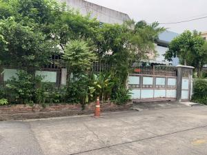 For SaleHouseWongwianyai, Charoennakor : 🏠 2 storey detached house for sale 🔥🔥🔥 Sivalai village, area 58 square wah, 4 bedrooms, 3 bathrooms, golden location behind the village is Charan BTS Station 13 Price 10,000,000😱 interested contact 065-195-1656Id line 0651951656