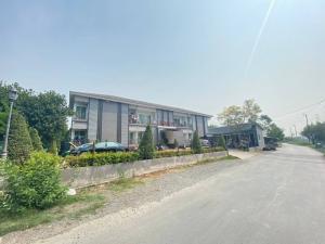 For SaleShophouseRamkhamhaeng,Min Buri, Romklao : Urgent sale of an apartment in Suwinthawong (Min Buri, Nong Chok, Bangkok)
