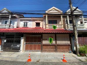 For SaleTownhouseKaset Nawamin,Ladplakao : 2 storey townhouse for sale Euang Fah Villa Nuanchan 40 Tel: 094-3546541 Line: @luckhome Code: LH00301