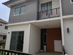 For RentTownhousePattaya, Bangsaen, Chonburi : Townhome Chonburi Nongmon Good location 3 Bedroom 2 Bathroom