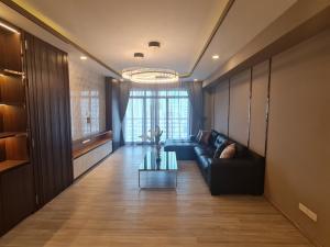 เช่าคอนโดสุขุมวิท อโศก ทองหล่อ : FOR RENT!! Condo Royal Castle Sukhumvit 39 (รอยัล คาสเซอร์ ซ.สุขุมวิท39) 3 Bedrooms **[COMPLETELY REFURBISHED]**