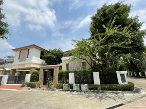 For RentHousePattanakan, Srinakarin : House for rent, Pattanakarn Srinakarin, corner plot, 3 bedrooms