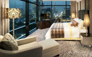 For RentCondoWitthayu,Ploenchit  ,Langsuan : The Residences at The St. Regis Bangkok for rent/sale