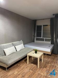 For RentCondoLadkrabang, Suwannaphum Airport : For Rent Iris Avenue On Nut Suvarnabhumi, ready to move in, price 5900 baht.