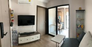 For SaleCondoOnnut, Udomsuk : M3459-Condo for sale, The Nest Sukhumvit 64, near BTS Punnawithi and BTS Udomsuk. There is a washing machine, fully furnished, ready to move in.
