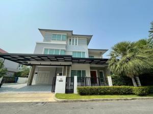 """เช่าบ้านพัฒนาการ ศรีนครินทร์ : Rental / Selling : Luxury House """" Bangkok Boulevard """"  with Full Furnisher in Krunthep Kreta - Rama 9 , 3 Floors , 5 Bed 7 Bath , 441 Sqm , 105 sqw , 4 Parking lot"""